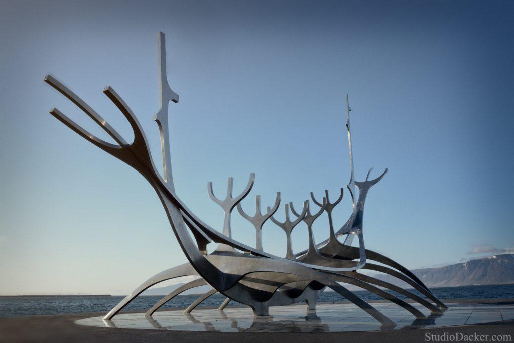 Reykjavik le voyageur solaire sculpture Islande