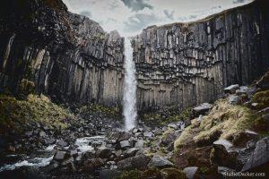 svartifoss cascade islande basalte